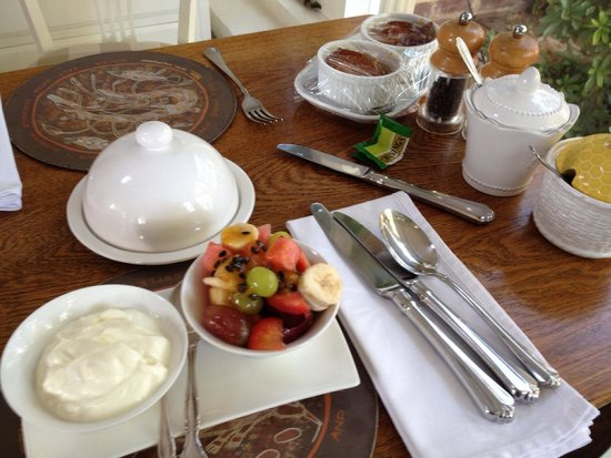 Durack House Bed & Breakfast : A lovely breakfast that included an English breakfast