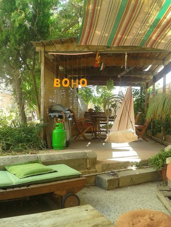 Boho Hostel : The beautiful garden