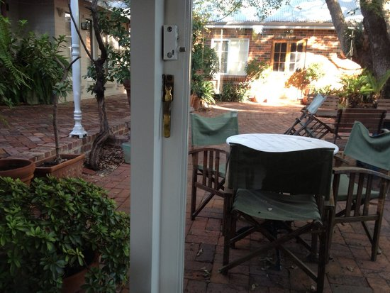 Durack House Bed & Breakfast : Communal courtyard