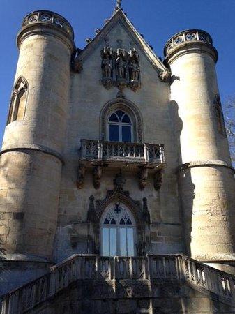 Les Etangs de Commelles : Le château qui surplombe les étangs