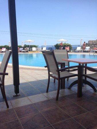 Krana Apartments: pool