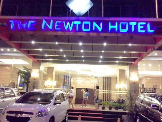 The Newton Hotel: The Newton Bandung lobby