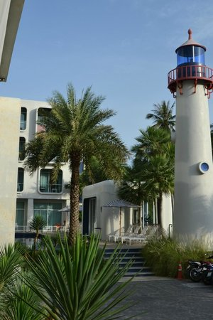 Sugar Marina Resort - Nautical - Kata Beach : Parte da frente do hotel