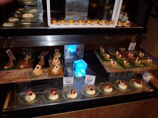 Fairmont Bab Al Bahr : Sweet tooth heaven!