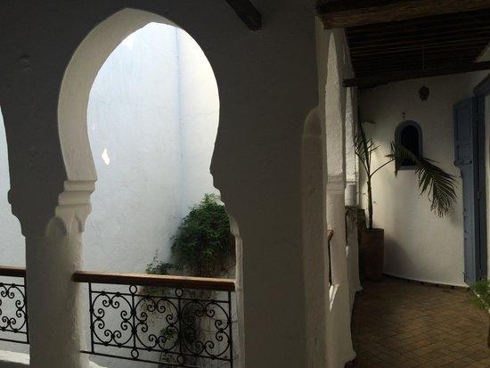 Casa Perleta: Patio interior donde dan las habitaciones de la 1 planta