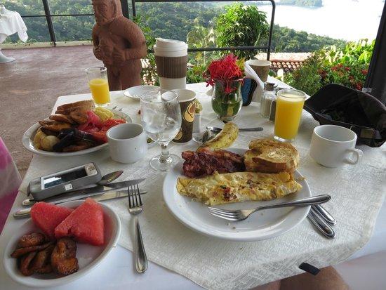 La Mariposa Hotel: Breakfast