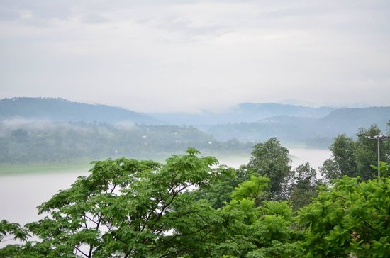 Hotel Lake View (HPTDC): View from The Balcony