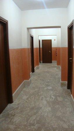 Hotel Roma Mansion: Лобби