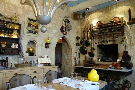 L' Auberge de la Poule d'Or : cosy interior