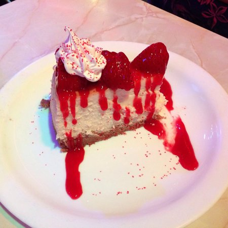 Ellen's Stardust Diner : Strawberry cheesecake