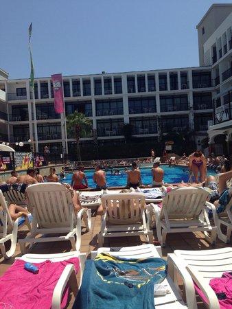 Ibiza Rocks Hotel: Pool area