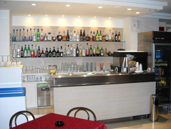Mon Hotel Misano: bar