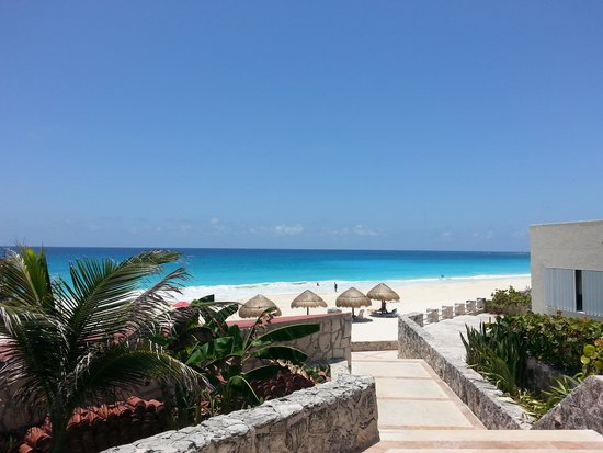Solymar Condos: I took this with my cell phone camera on 7-25-14. This was my backyard view at Solymar.