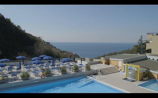 Best Western Hotel La Solara Sorrento: Piscina