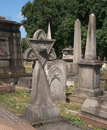 Masonic Symbols All Around Foto Van Kensal Green Cemetery Londen
