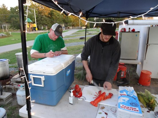 Bar Harbor Campground KOA: Lobster pound on the camping