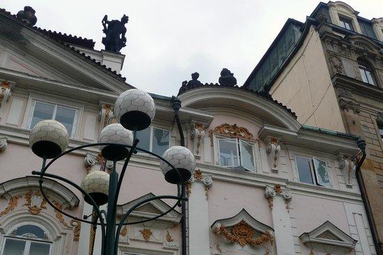 Hotel Ilf : Обычный там дом