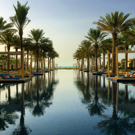 Park Hyatt Abu Dhabi Hotel & Villas: Pool