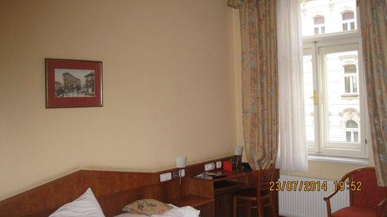 Alton: habitacion sencilla y acogedora