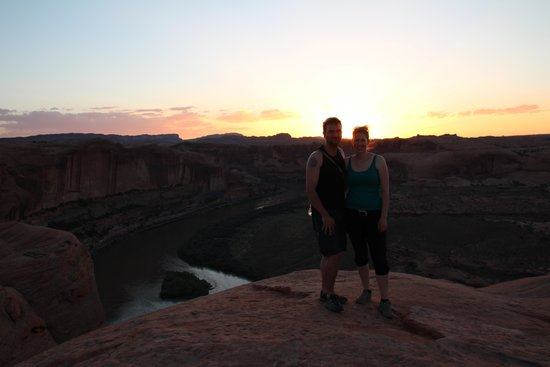 Dan Mick's Guided Jeep Tours: Sonnenuntergang am Colorado River