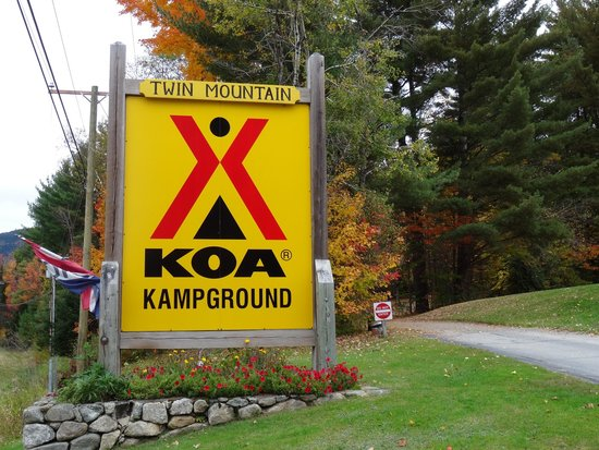 Twin Mountain KOA: KOA sign