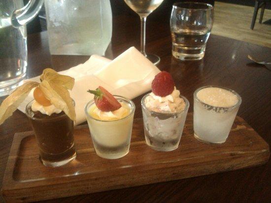 Browns Restaurant at Nevis Bank Inn: Mini Puds