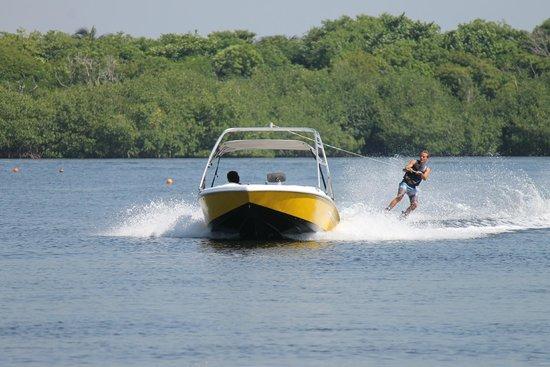 Club Med Cancun Yucatan : Ski Nautique, wakeboard