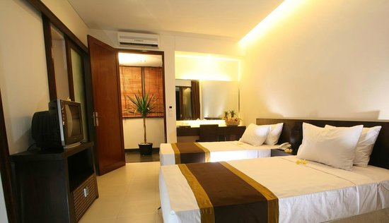 Villa Diana Bali : One of our deluxe rooms with two single beds