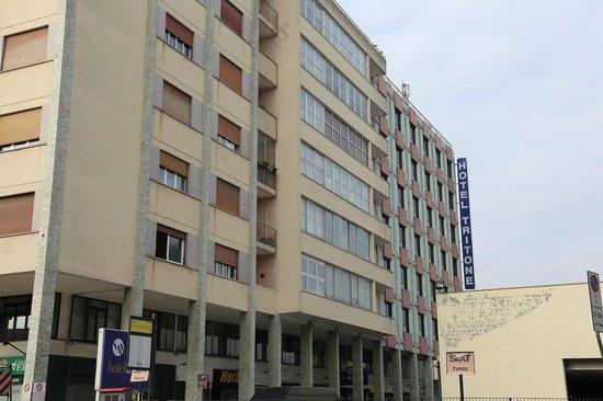 Hotel Tritone : ホテル外観