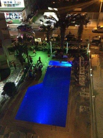 Semiz Apart Hotel: Pool view