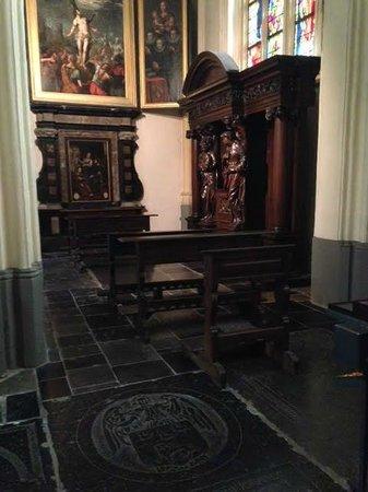 Basilica of St. Servatius: Захоронения
