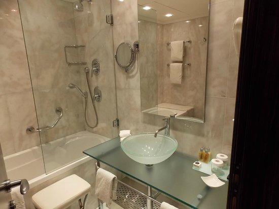 Boscolo Prague, Autograph Collection: Bathroom