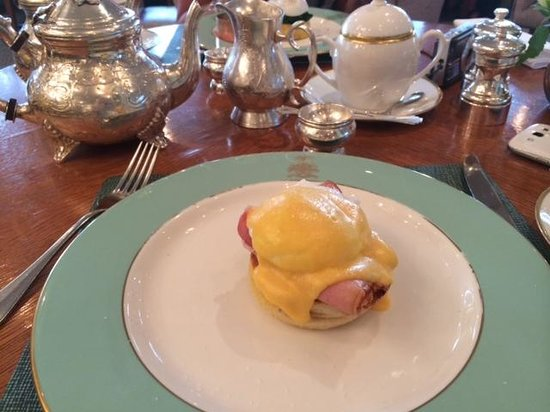 The Diamond Jubilee Tea Salon: Eggs Benedict
