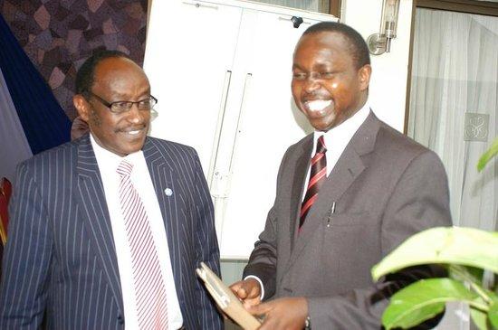 Sarova Panafric: Dr. Tim Kiruhi (ELNET Coordinator) with H.E. Waithaka Mwangi, Governor of Nyandarua County