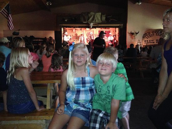 The Circle B Ranch Chuckwagon Suppers and Western Music Show: After Dinner Show