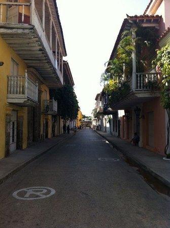 Ciudad amurallada: Street of the old walled city