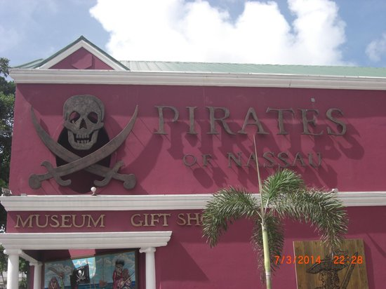 Sandyport Beach Resort: Pirate Museum Downtown