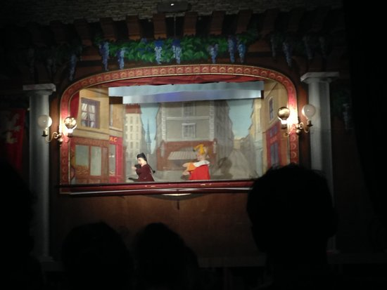 puppet show scene picture of theatre la maison de. Black Bedroom Furniture Sets. Home Design Ideas