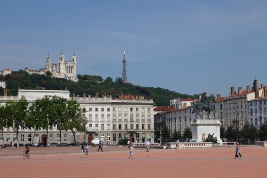 Place Bellecour : Pl. Bellecour