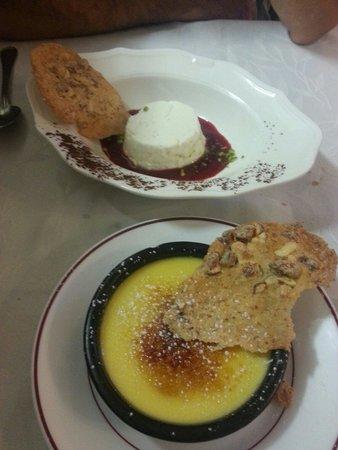 Restaurant La Gourmandine : Crème brulée à la vanille et faisselle au coulis de fruits rouges