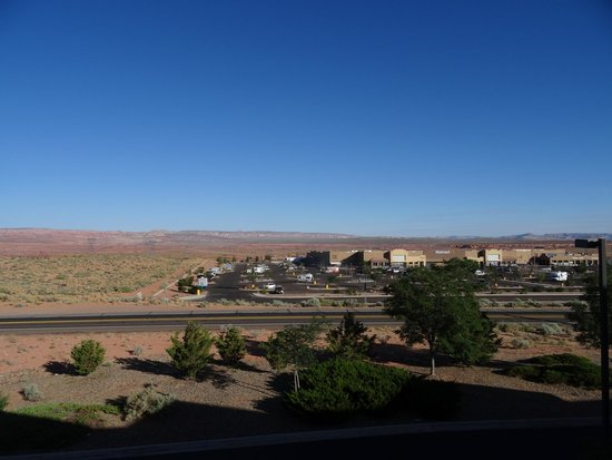 Days Inn & Suites Page Lake Powell: View on the desert and Walmart