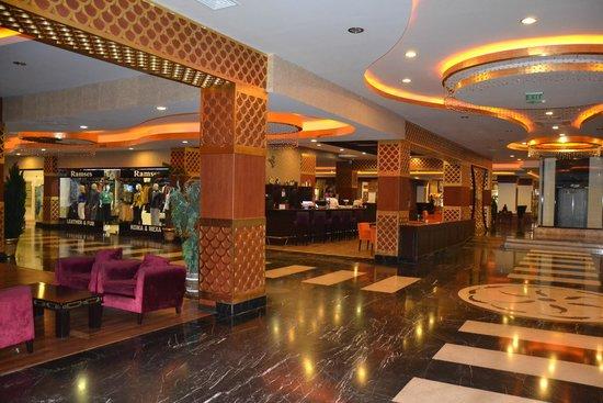Siam Elegance Resort & Spa : bar dans l'hôtel