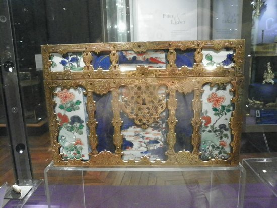 The Bowes Museum: Intricate chest