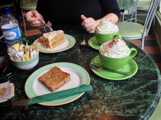 The Chocolate Theatre Co Ltd: Great cake and coffee