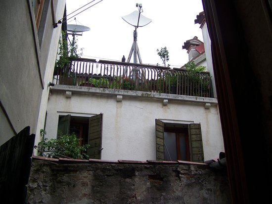 Casa Nicolo Priuli : vue en regardant en haut