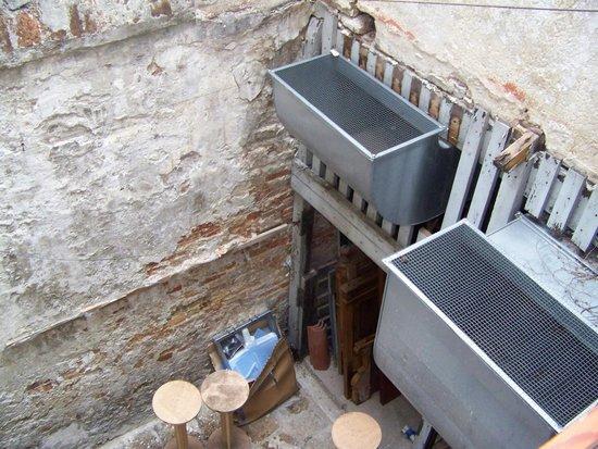Casa Nicolo Priuli : climatiseurs dans cour