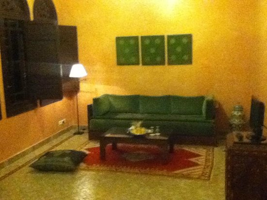 Al Fassia Aguedal : Huge bedroom