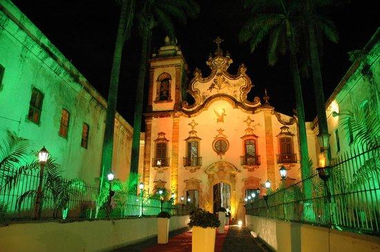 Basilica and Convent of Nossa Senhora do Carmo: Entrada da igreja