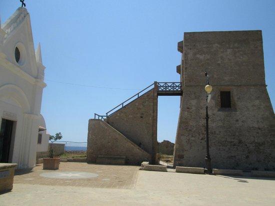 Da Capo Colonna a Le Castella: Chiesa della Madonna e Torre Aragonese a Capo Colonna