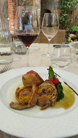 Locanda Casariccio : Coniglio ripieno con tortino di verdure